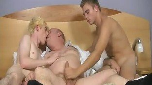 Chubby Daddy And 2 Hot Lads Jerking And Kissing