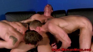 Ripped straight blokes threeway gay fuck