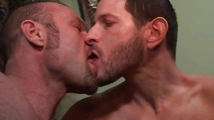 str8 dude kissing session...divorced guy