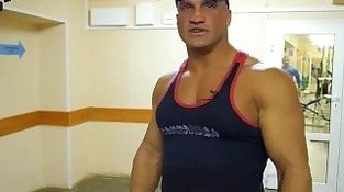 Russian Muscles 22